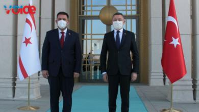 Photo of Başbakan Saner, Fuat Oktay'la görüşüyor